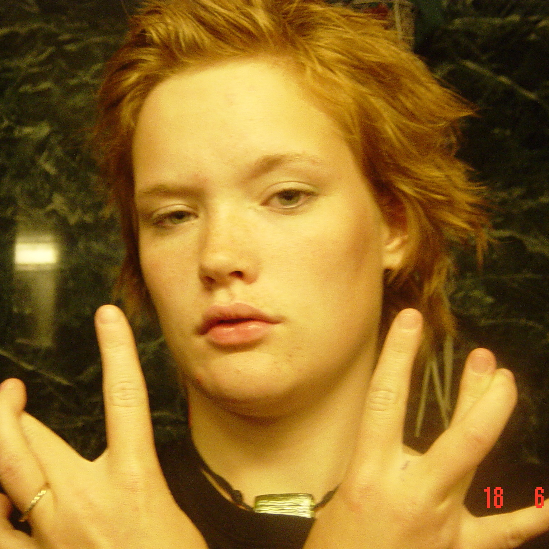 girls-jessica-redhead-stripper-ebony-women-cleavage